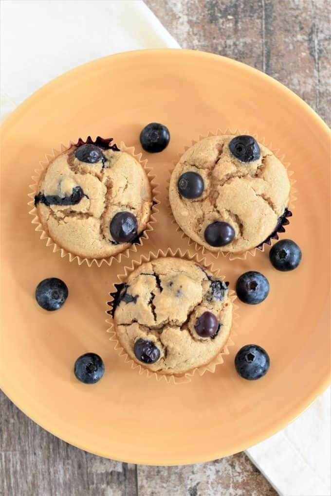 Vegan-Blueberry-Muffins-10-e1559437681808.jpg