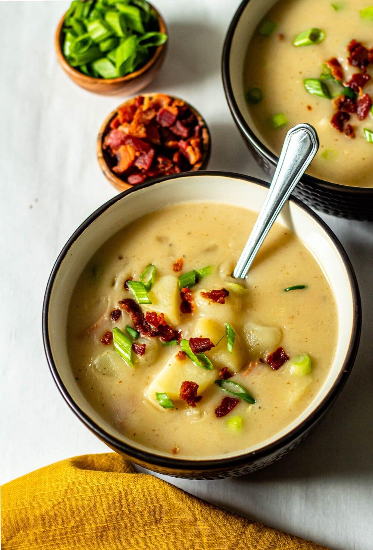 Easy Loaded Baked Potato Soup (Paleo, Dairy-Free, Whole30)