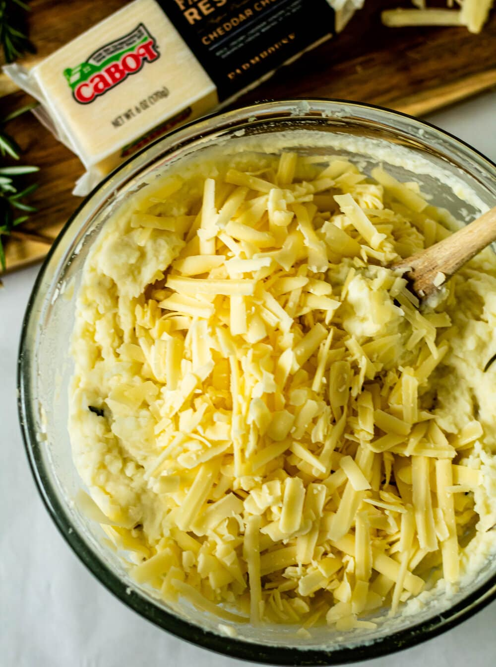 Rosemary and White Cheddar Mashed Potatoes (Gluten-Free)