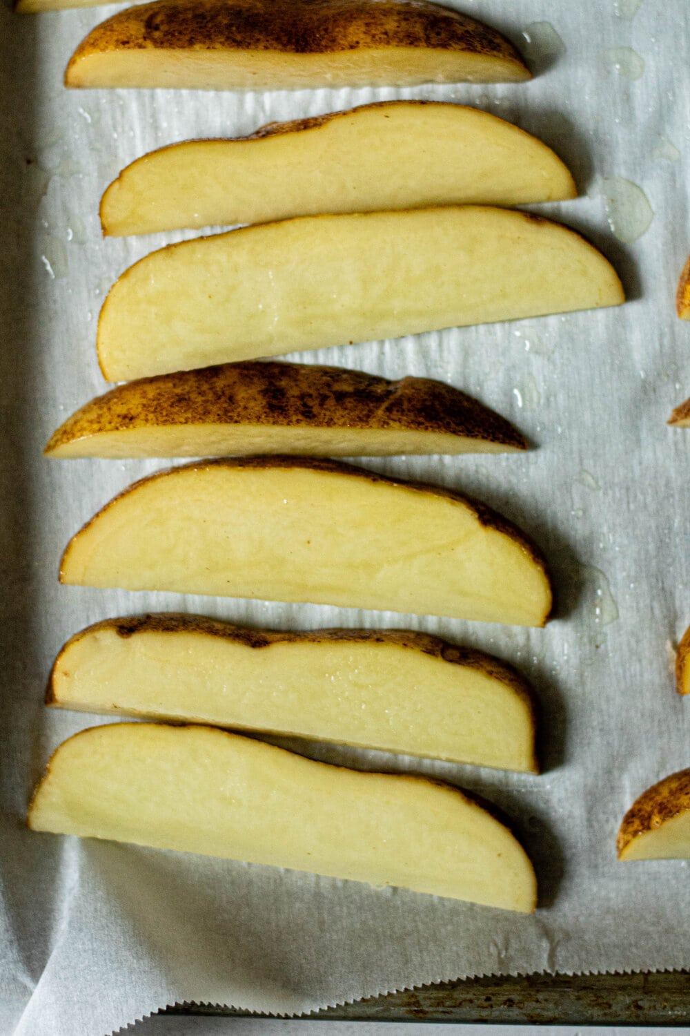 Crispy Baked Potato Wedges with Chipotle-Lime Aioli