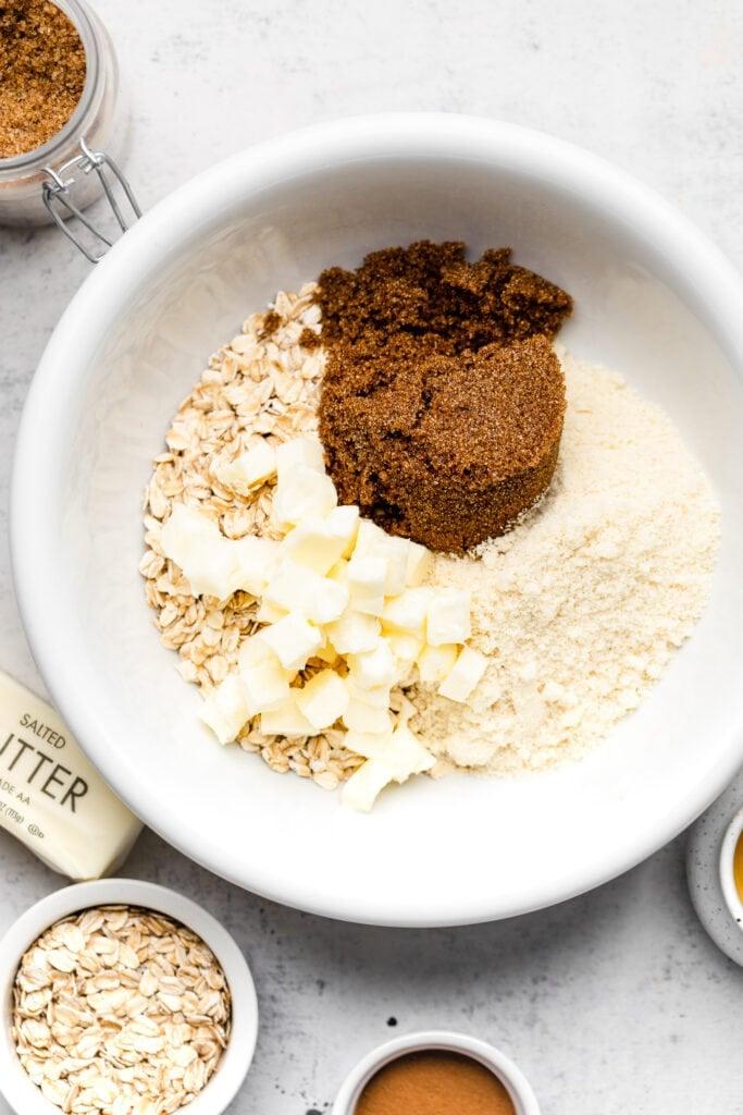 crisp topping ingredients in bowl