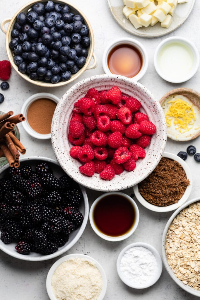 triple berry crisp ingredients