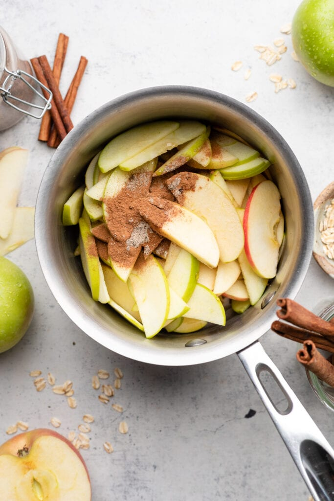 apple slices in pot