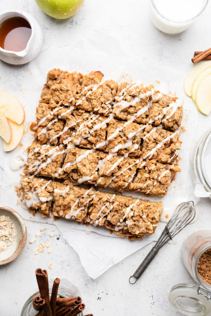 apple pie bars with icing