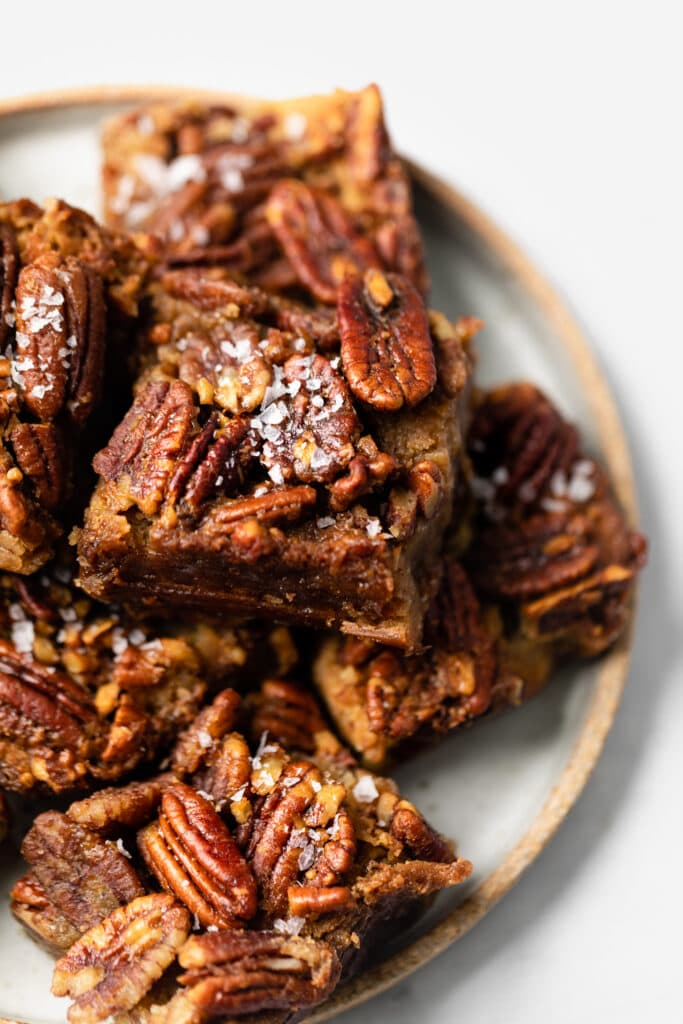 pecan pie bars on plate